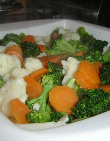 Brokkoli-Blumenkohl-Möhren Auflauf - The Vegetarian Diaries