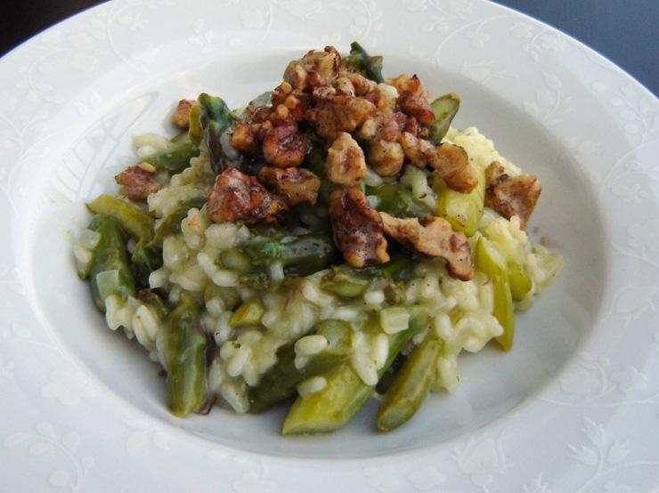 Risotto mit grünem Spargel und Walnüssen - The Vegetarian Diaries