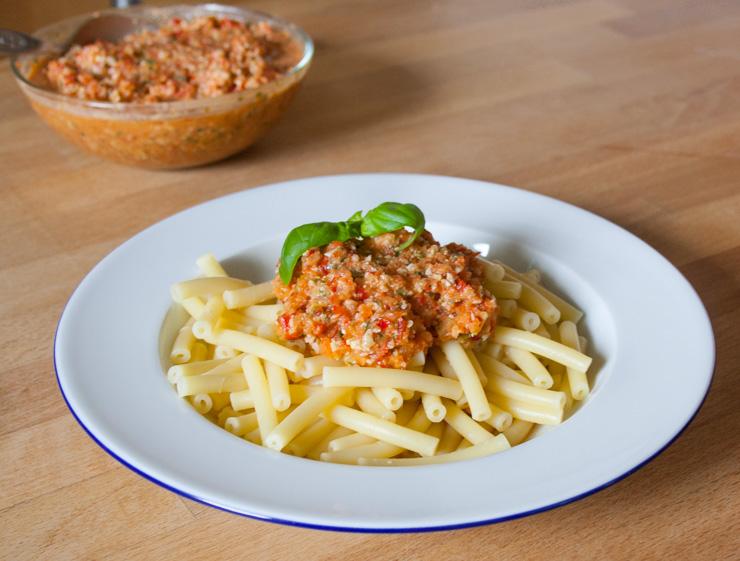 Paprika-Pesto (Peperotta) mit Nudeln - The Vegetarian Diaries