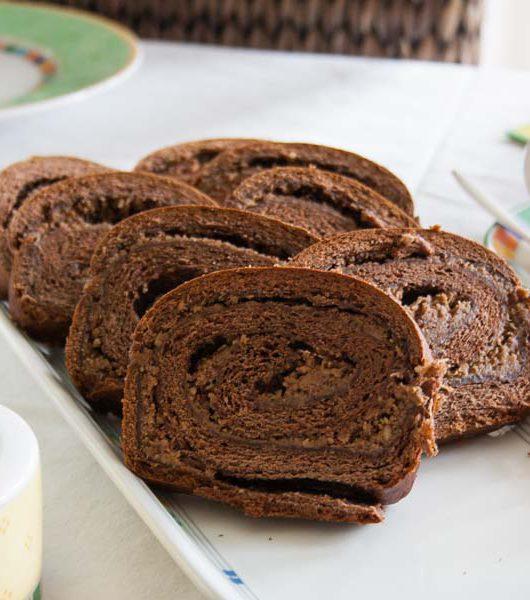 Chocolate-Cinnamon-Swirlcake - The Vegetarian Diaries