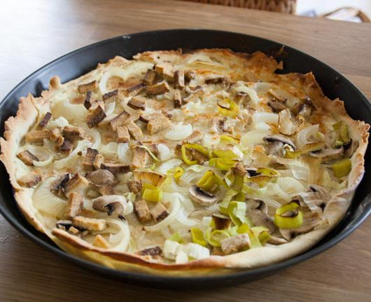 Flammkuchen mit Räuchertofu - The Vegetarian Diaries