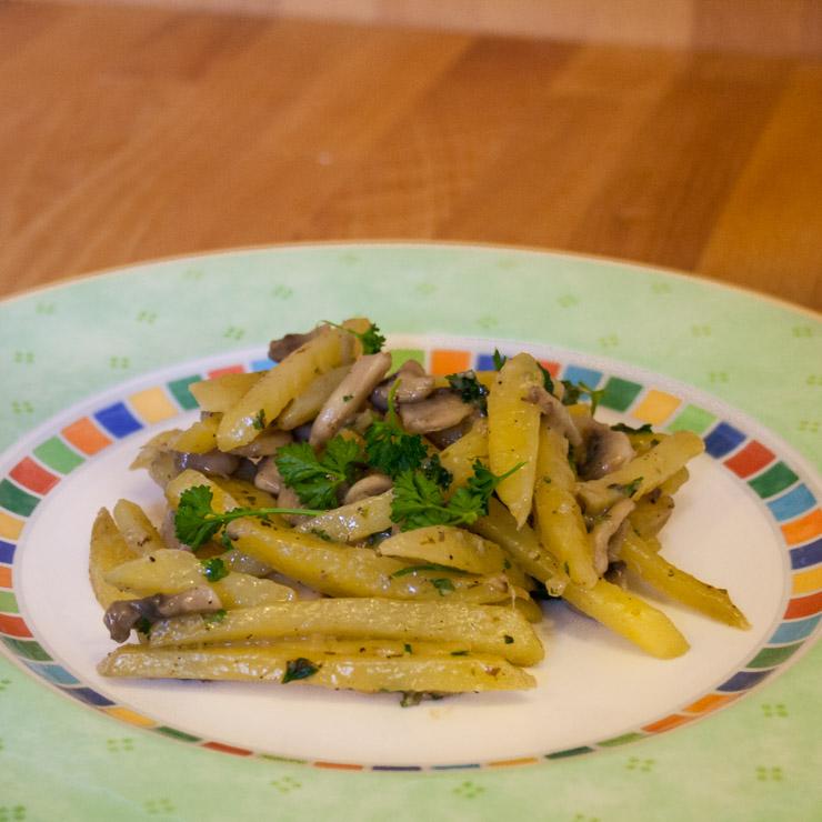 Kartoffel-Pilz-Pfanne mit Bergkäse - The Vegetarian Diaries