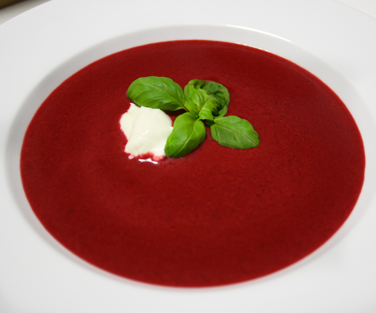 Rote Bete Suppe mit Ingwer - The Vegetarian Diaries