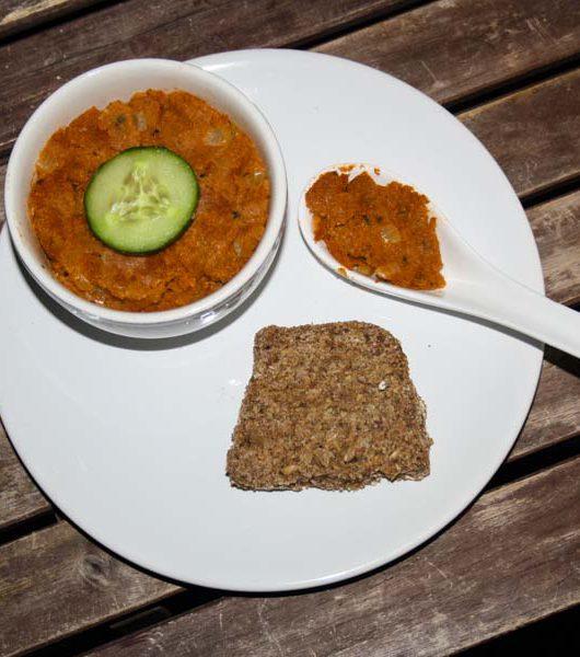 veganer Grünkern-Tomaten-Aufstrich - The Vegetarian Diaries