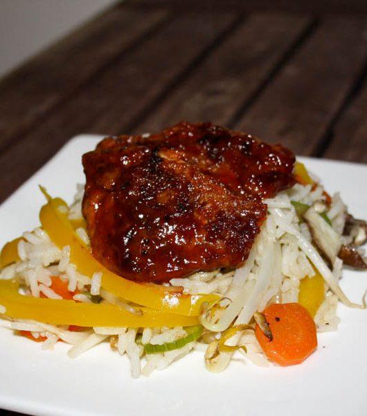 glasierte Soja-Medaillons mit Reis und Wokgemüse - The Vegetarian Diaries