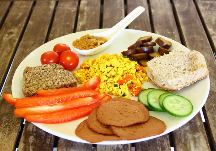 selbst gemachtes, einfaches veganer Brunch - The Vegetarian Diaries