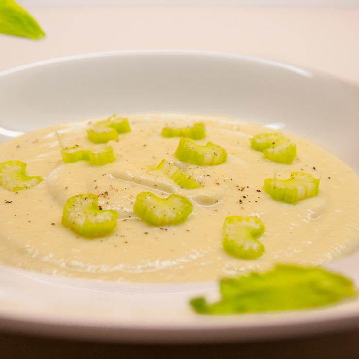 winterliche Kartoffel-Sellerie-Suppe - The Vegetarian Diaries