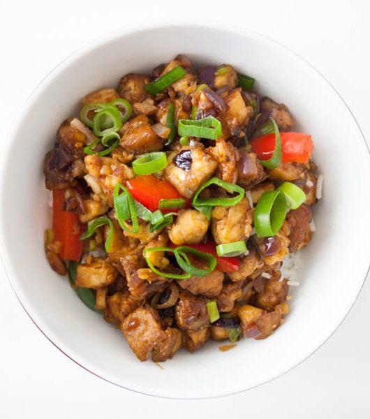 würziger Mandel-Tofu in einer süßen Sojasoße - The Vegetarian Diaries