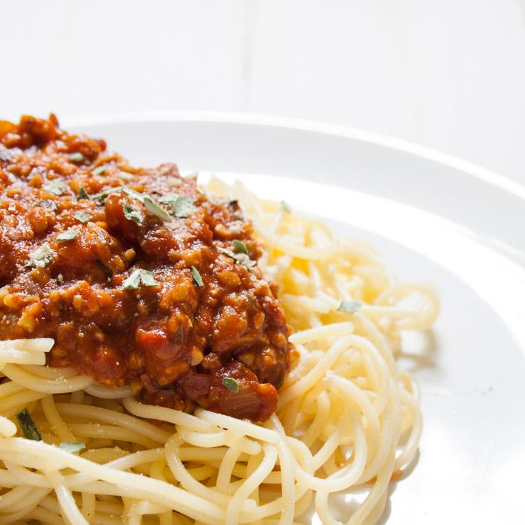 Spaghetti mit Soja-Bolognese - The Vegetarian Diaries