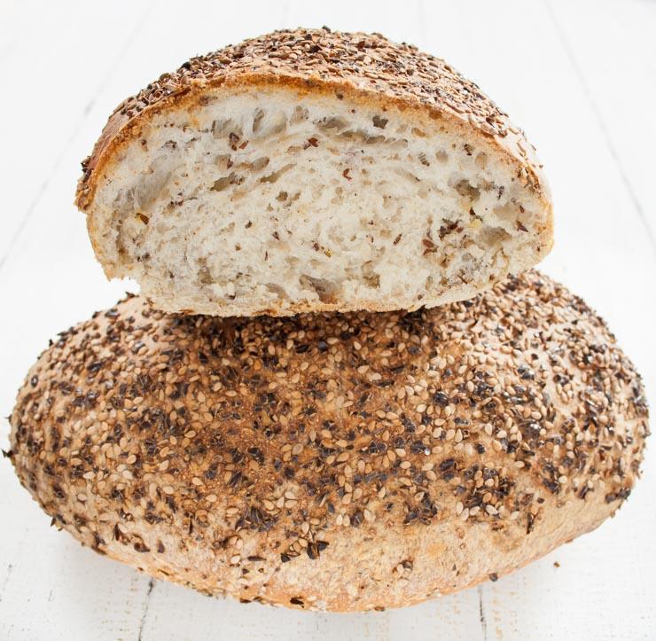 einfaches Sesam-Leinsamen-Brot - The Vegetarian Diaries