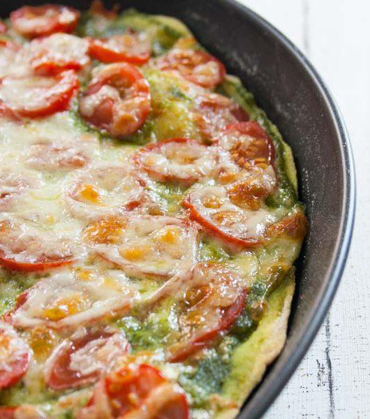 Pizza mit Basilikumpesto - The Vegetarian Diaries