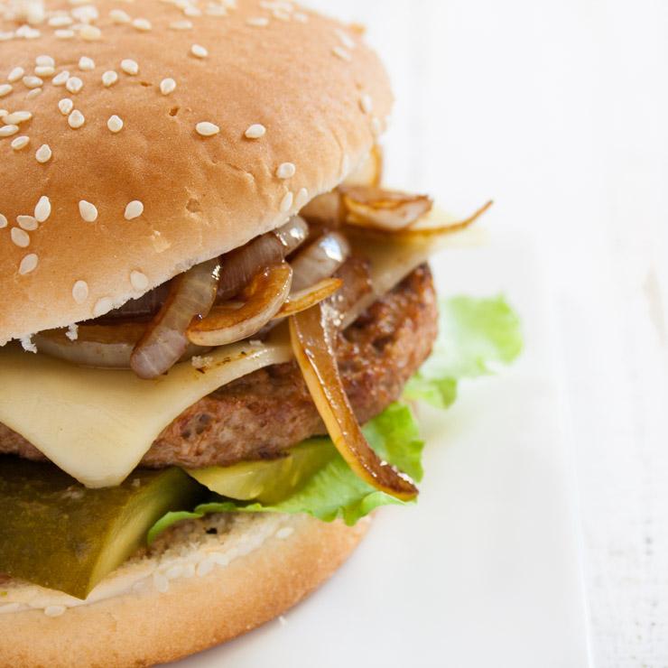 vegetarischer Burger mit Balsamico-Zwiebeln - The Vegetarian Diaries