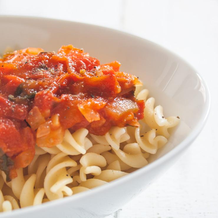 slow cooked tomaten basilikum so e the vegetarian diaries. Black Bedroom Furniture Sets. Home Design Ideas