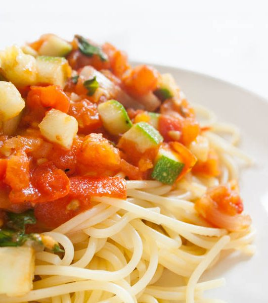 Tomaten-Zucchini-Sugo - The Vegetarian Diaries