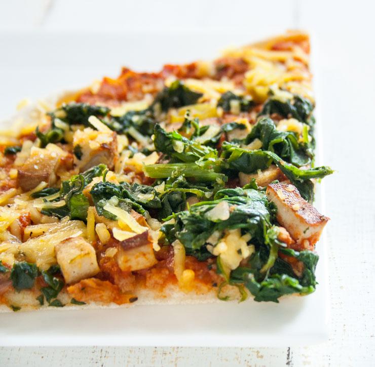 Spinat-Pizza mit Sojaschnetzeln - The Vegetarian Diaries