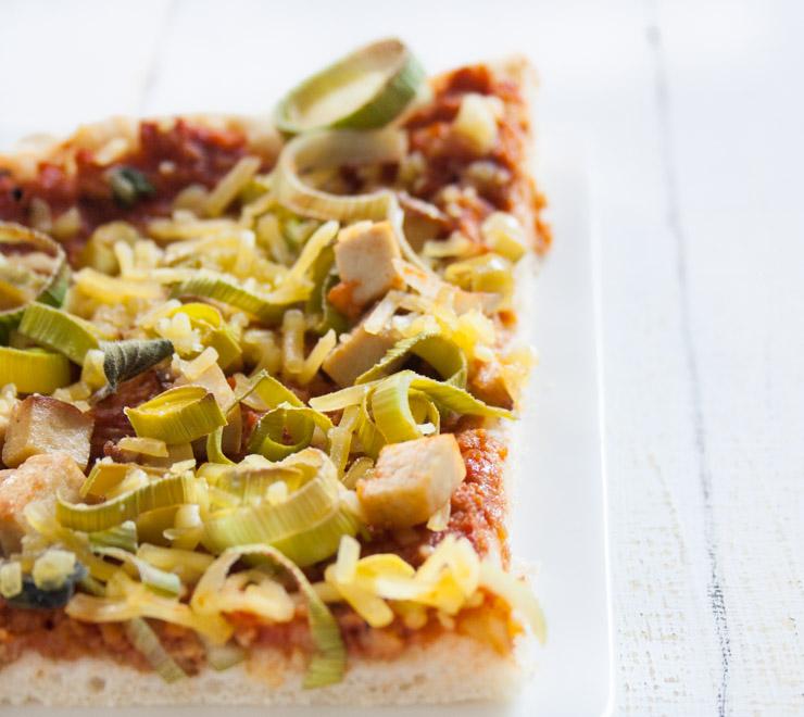 Lauch-Räuchertofu-Pizza - The Vegetarian Diaries