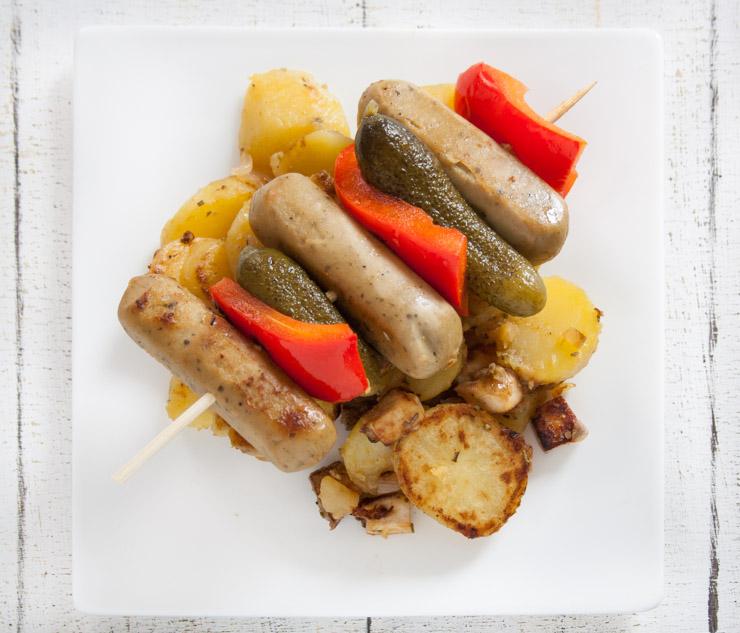 vegane Wurstspieße mit Räuchertofu-Bratkartoffeln - The Vegetarian Diaries