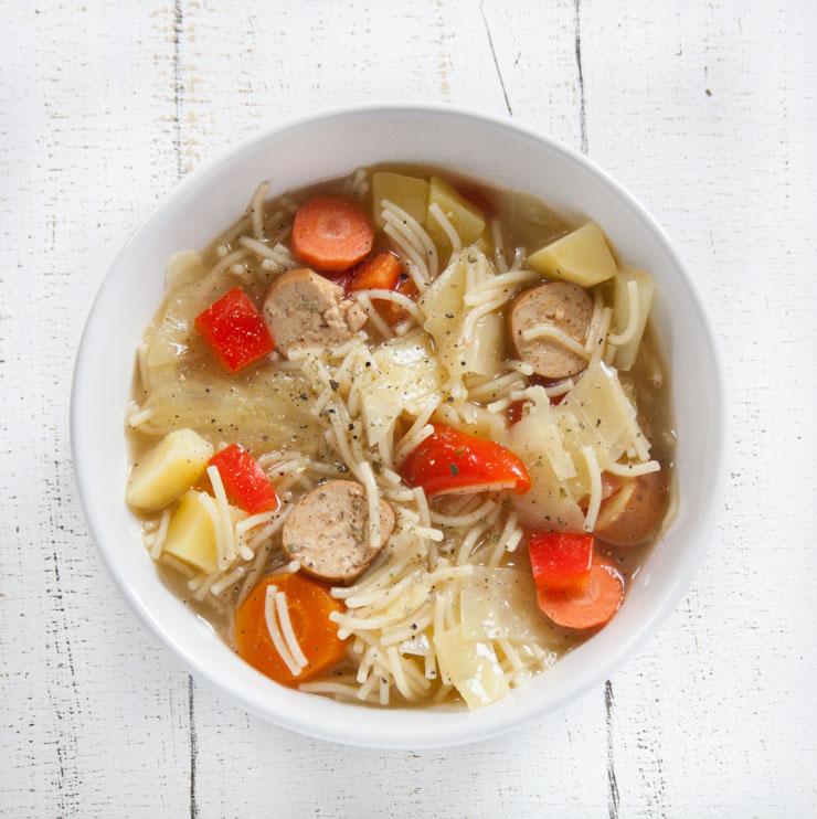 schnelle Nudelsuppe mit Wienern - The Vegetarian Diaries