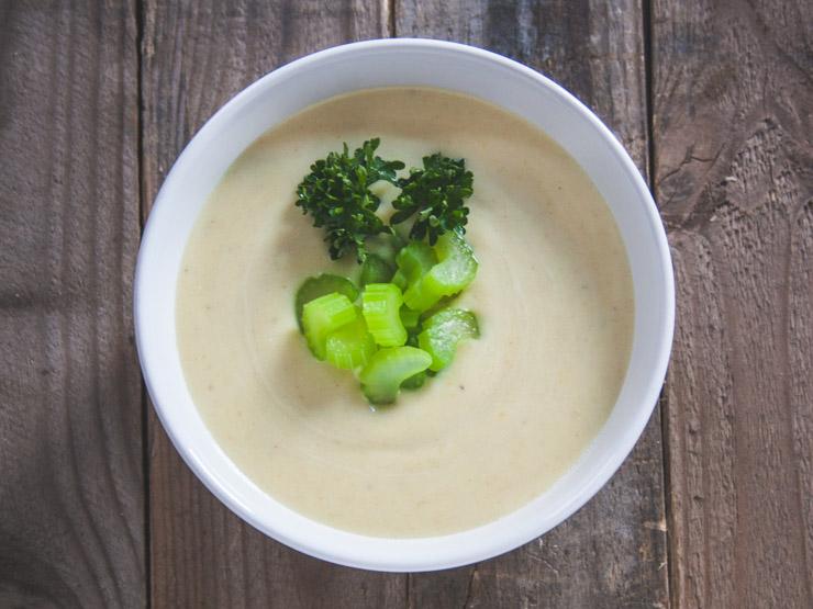 Kartoffel-Sellerie Suppe mit Staudensellerie - The Vegetarian Diaries