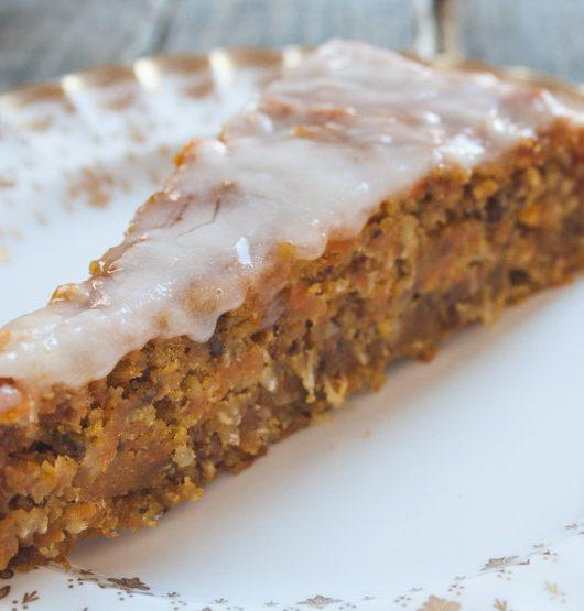 bester veganer Möhren-Kuchen zum Osterfest - The Vegetarian Diaries