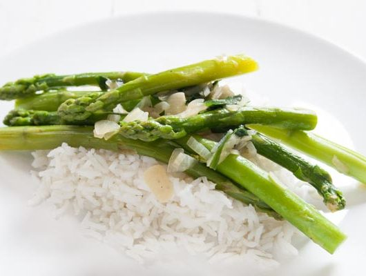 Rezept für Spargel mit Bärlauch und Reis - The Vegetarian Diaries