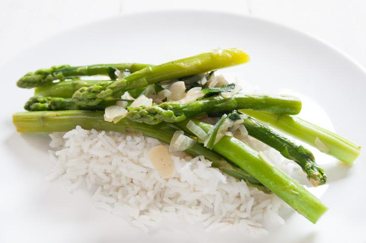 Spargel mit Bärlauch und Reis - The Vegetarian Diaries