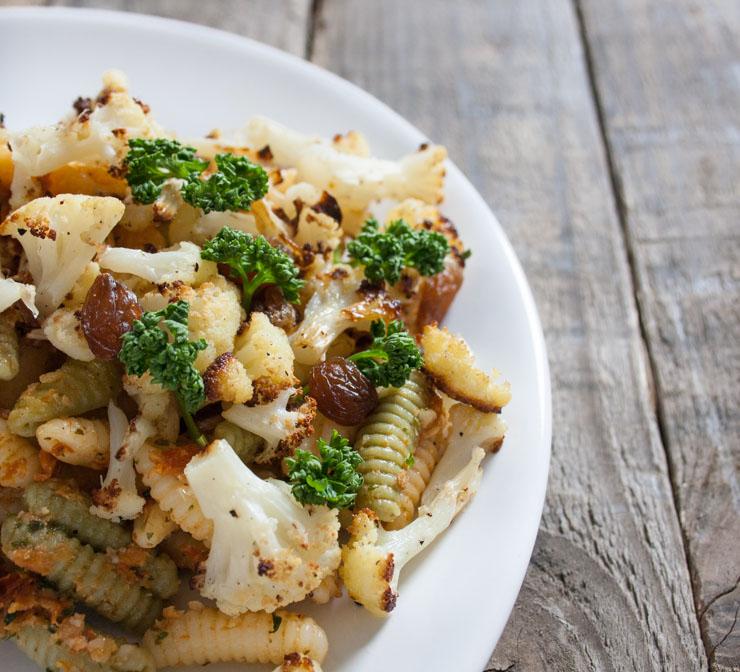 Pasta mit geröstetem Blumenkohl und Pesto - The Vegetarian Diaries