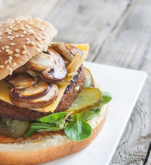 veganer BBQ-Burger mit Champignons - The Vegetarian Diaries