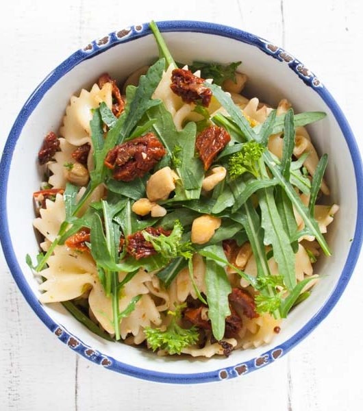 Nudelsalat mit Cashewkernen - The Vegetarian Diaries