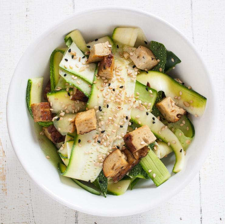 Zucchini-Gurken-Salat mit Sojasauce - The Vegetarian Diaries