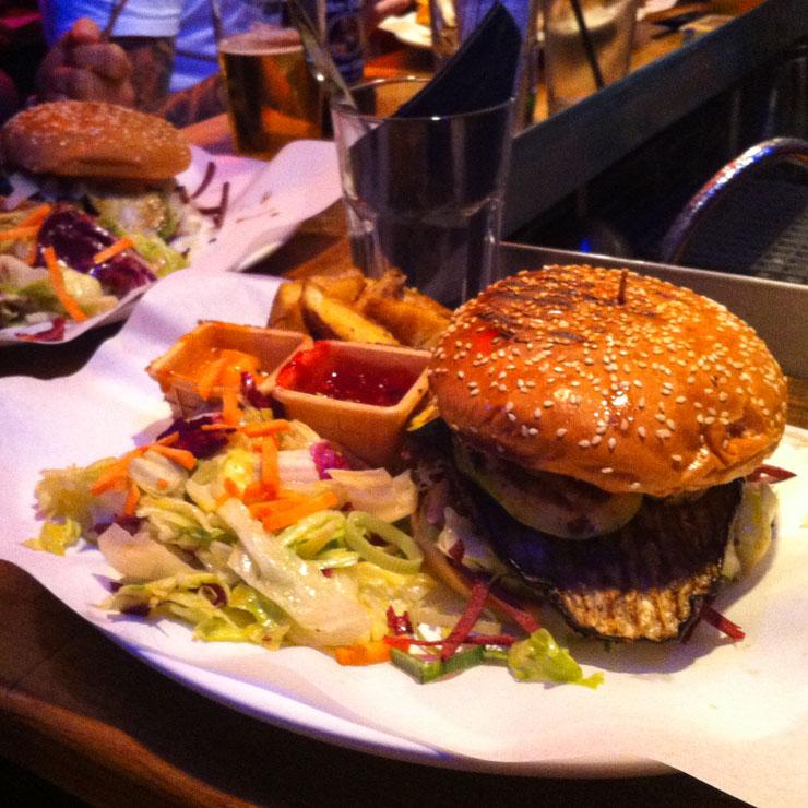 veganer Burger - schnelle Liebe - The Vegetarian Diaries