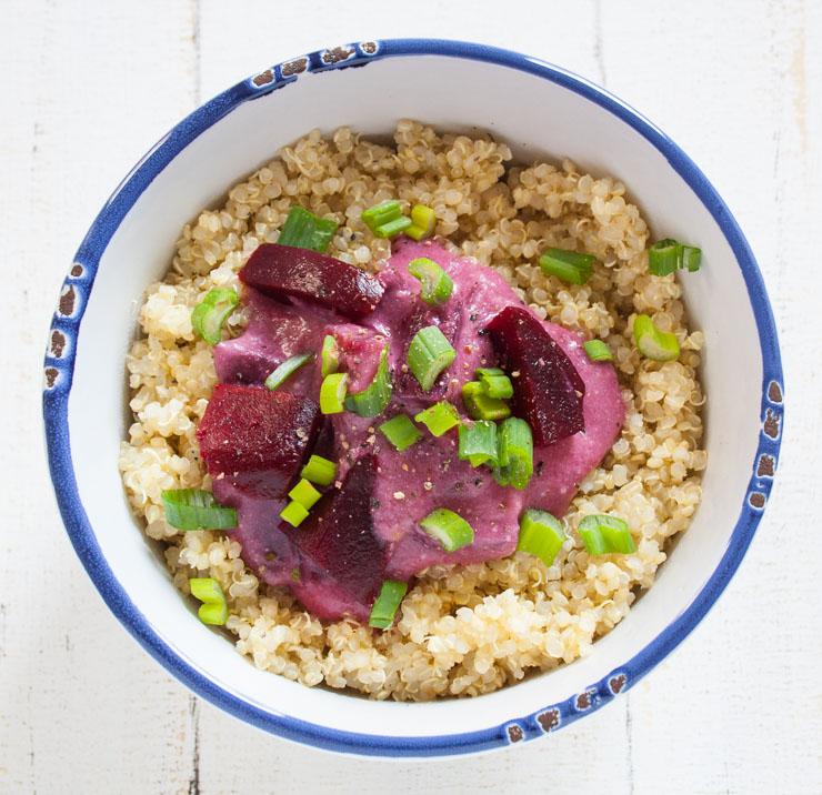 Quinoa mit Rote Bete und Kokos-Bananen Soße - The Vegetarian Diaries