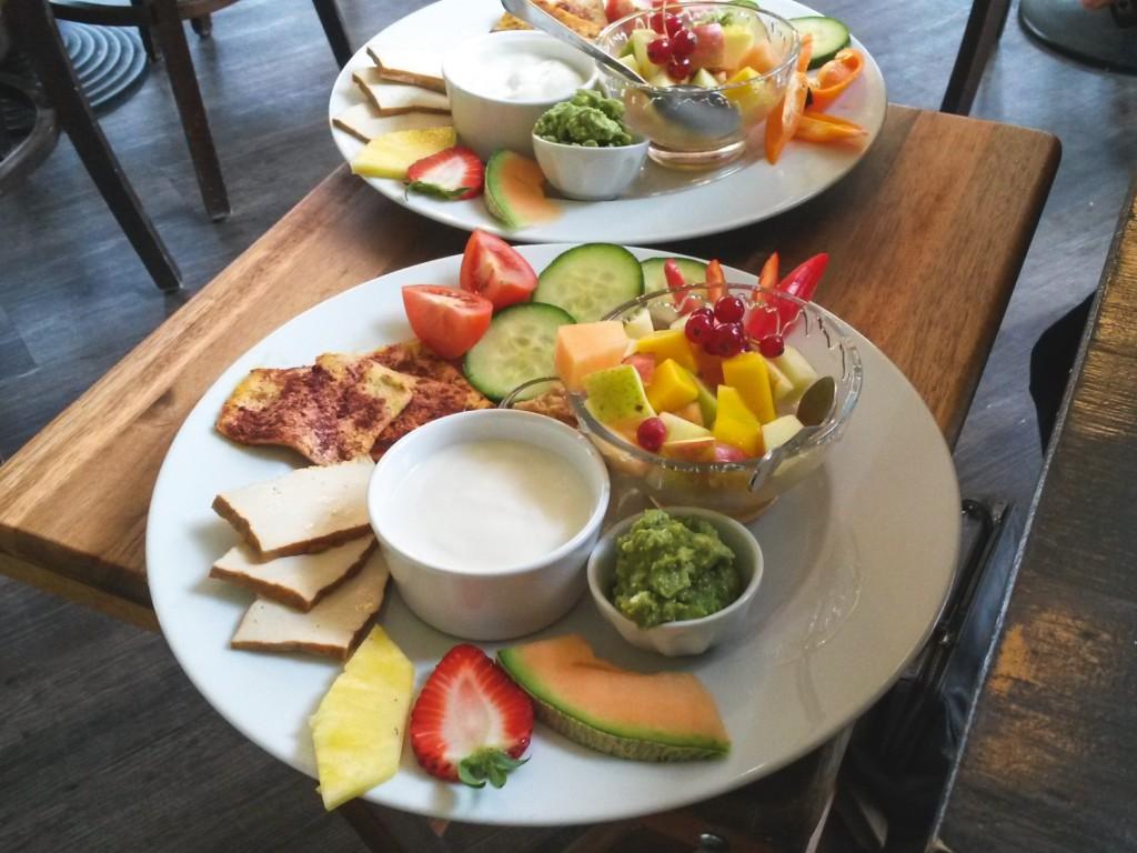 veganes Frühstück im Café Frieda am Park in Hamburg Ottensen