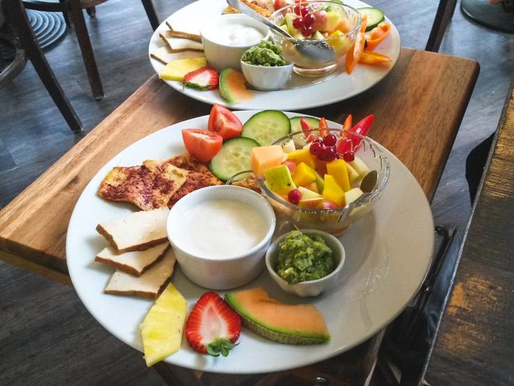 vegan frühstücken in Ottensen - Café Frieda am Park in Hamburg