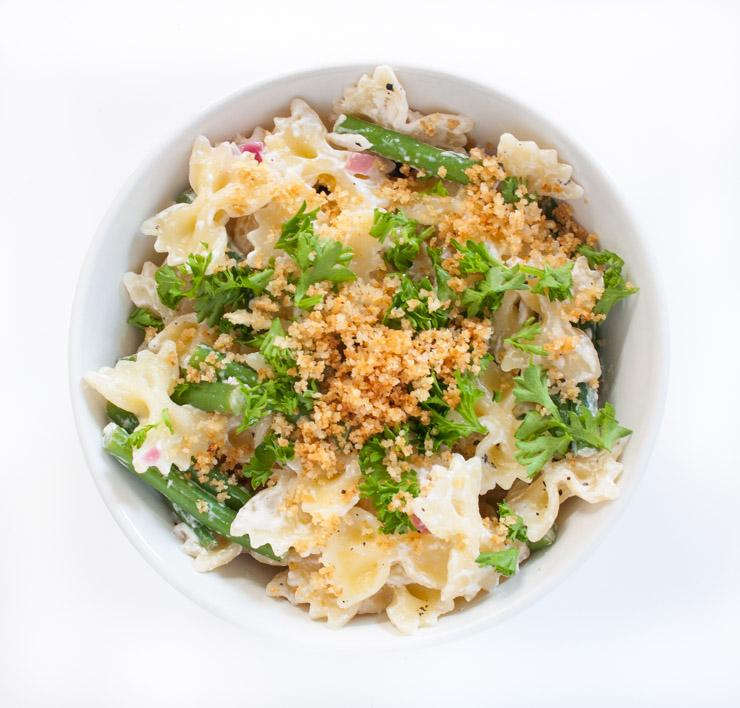 Nudeln mit Chili-Knoblauch Bröseln - The Vegetarian Diaries