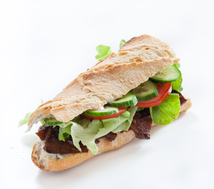 veganes Sandwich mit Seitan - The Vegetarian Diaries
