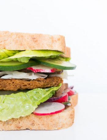 veganes Sandwich mit Soja Big Steak - The Vegetarian Diaries
