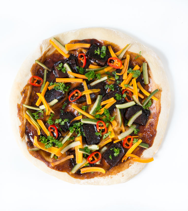 Asia-Style Pizza Ban Mi mit Räuchertofu - The Vegetarian Diaries
