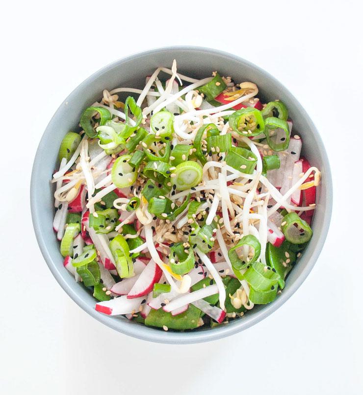 Salat mit Glasnudeln und Sprossen - The Vegetarian Diaries