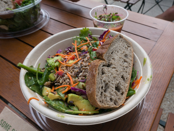 veganer Salat bei Sweetgreen Washington - The Vegetarian Diaries