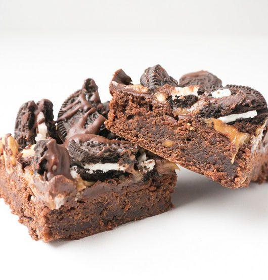 Vegane Erdnussbutter-Brownies mit Oreos - Peanut-Butter-Oreos