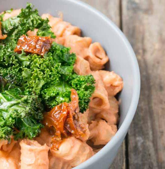 Pasta mit Grünkohl und Tomatensauce - The Vegetarian Diaries