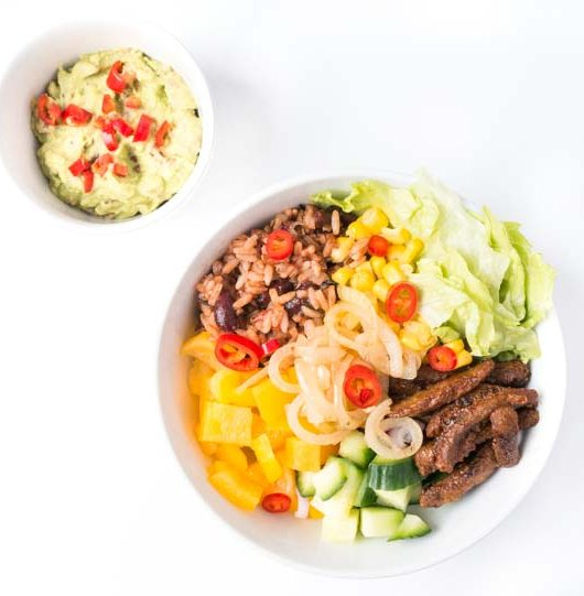 vegane Burrito-Bowl mit Guacamole - The Vegetarian Diaries