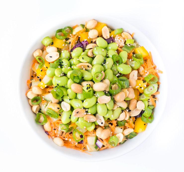 sommerlicher Salat mit Mango-Dressing - The Vegetarian Diaries