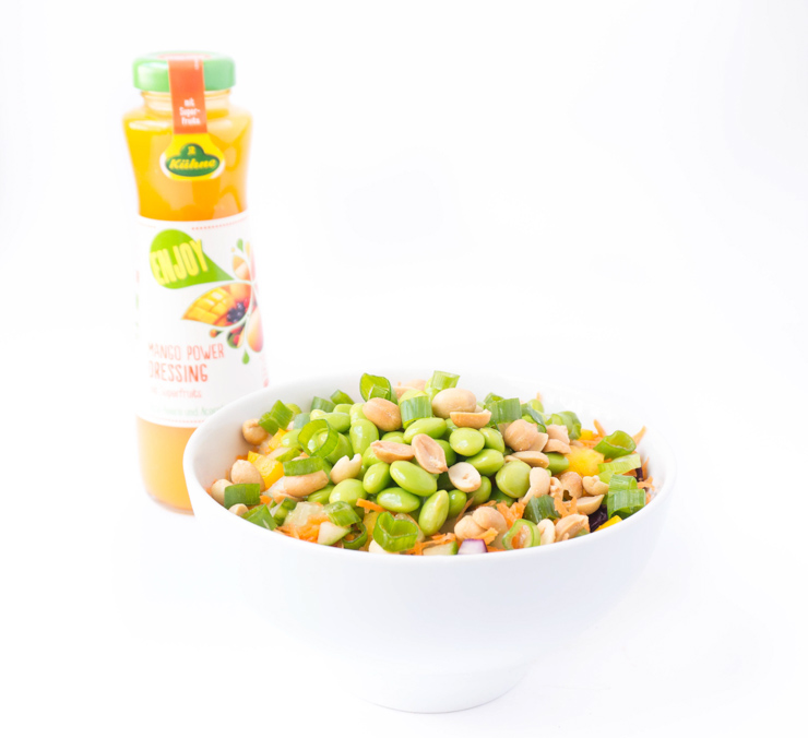sommerlicher Salat mit Mango-Power-Dressing - The Vegetarian Diaries