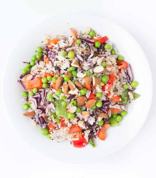 Quinoa-WildReis-Salat mit Chili Dressing - The Vegetarian Diaries