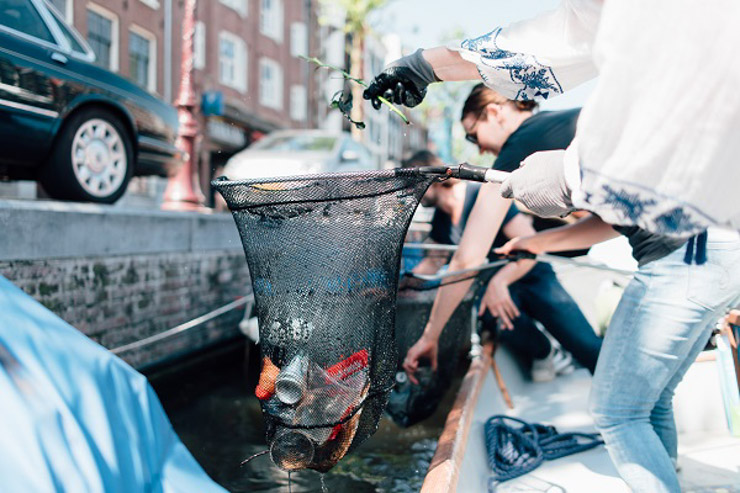 Amsterdamer Grachtenplastik - Ecover - The Vegetarian Diaries