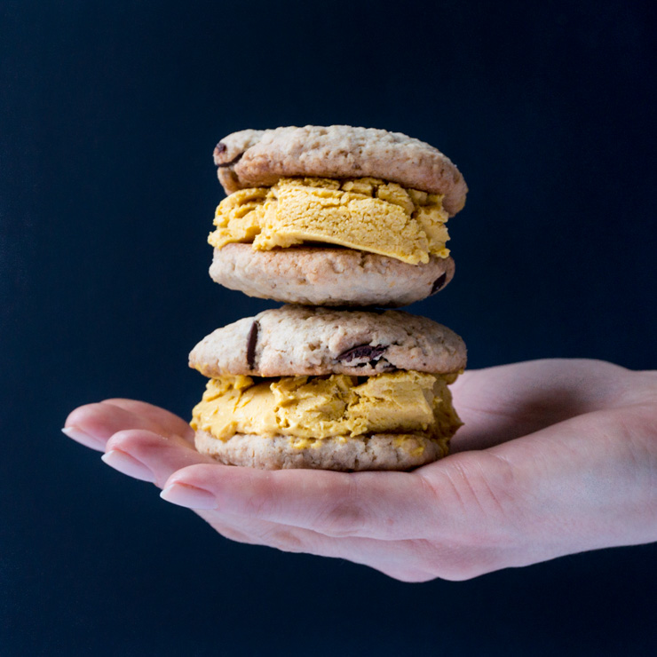veganes Kürbis-Cookie-Eis-Sandwich - The Vegetarian Diaries