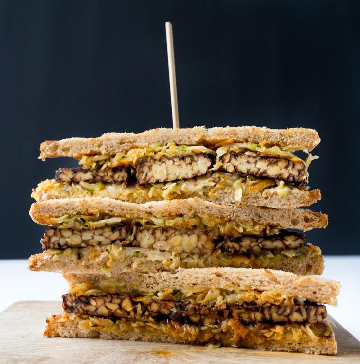 veganes Reuben-Sandwich mit Tempeh - The Vegetarian Diaries