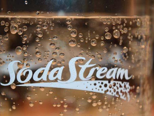 Wie kommt die Kohlensäure ins Wasser - Sodastream -Wassersprudler